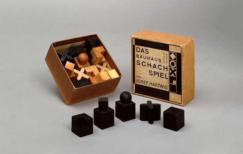 Bauhaus Chess set Chulavista 2